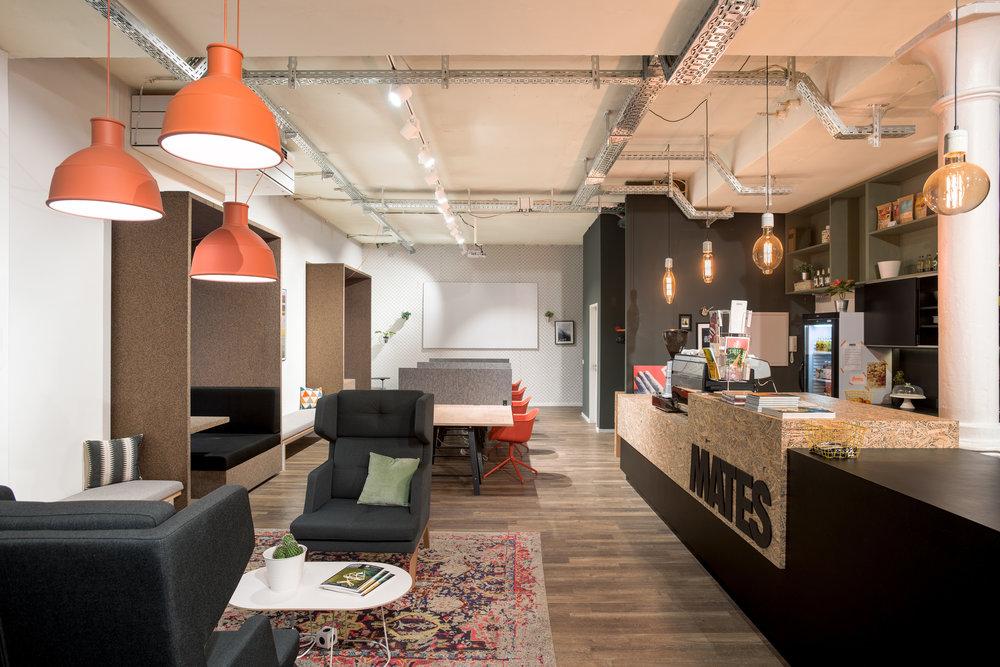 Mates Munich, Coworking, co-working space, bar, lounge, communication, office, interior architecture, design, pendant light, muuto