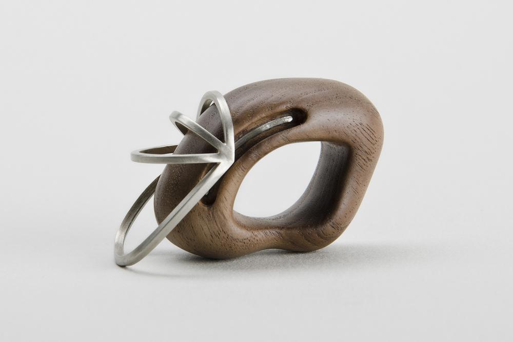 Glissade Ring