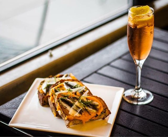 It's @ramwdc #CocktailWeek and we feel like celebrating! Our pairing: Meditation in Mediterranean cocktail with Prosecco, aperol, roasted pear, sage, paired with roasted squash & pear, white Alici, fiore sardo cheese, herbs on toasted hearth bread. @unionmarketdc  #acreativedc #edibledc #foodwinewomen #dcfoodporn #jbffall #thisisfall