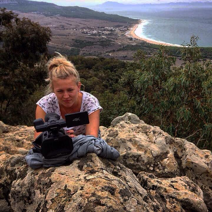 Filming griffon vultures in Tarifa, Spain