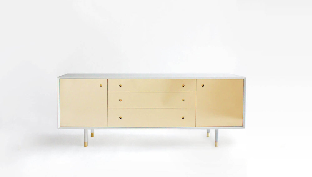 JULIE CREDENZA / Egg Collective