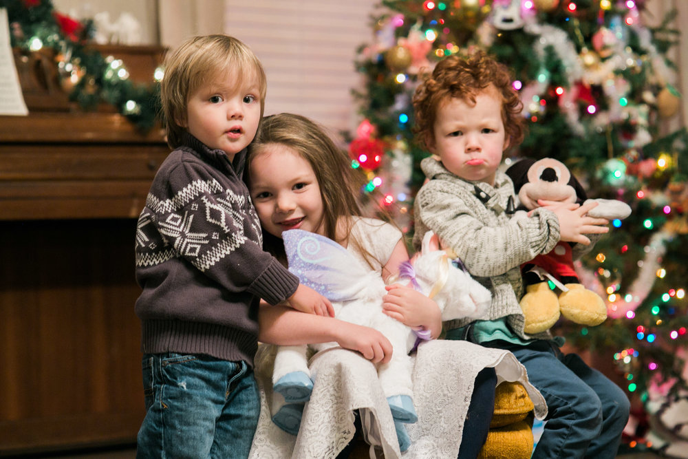 Etta and her brothers. Abram's face though. lol