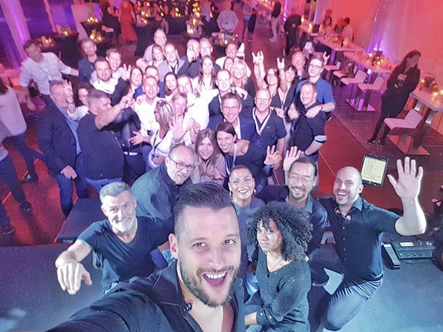 Wochenende Teil 1... 30 Jahre CompuTech... Die wissen wie man Geburtstag feiert! #superphonix #live #band #hr1band2013 #vocals #drums #bass #guitar #keys #sax #music #inear #stagediver4 #music #musiclife #geburtstag #firmenevent #dutenhofenersee