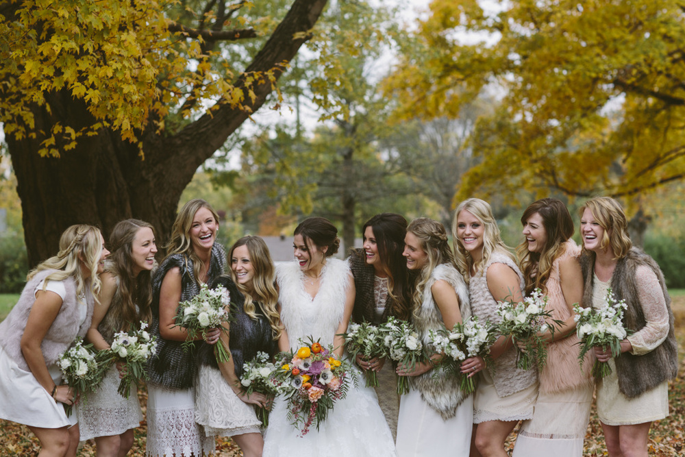 Stylish Fall themed wedding at Riverwood Mansion - Photo Credit: caitlinalyssephotography.com