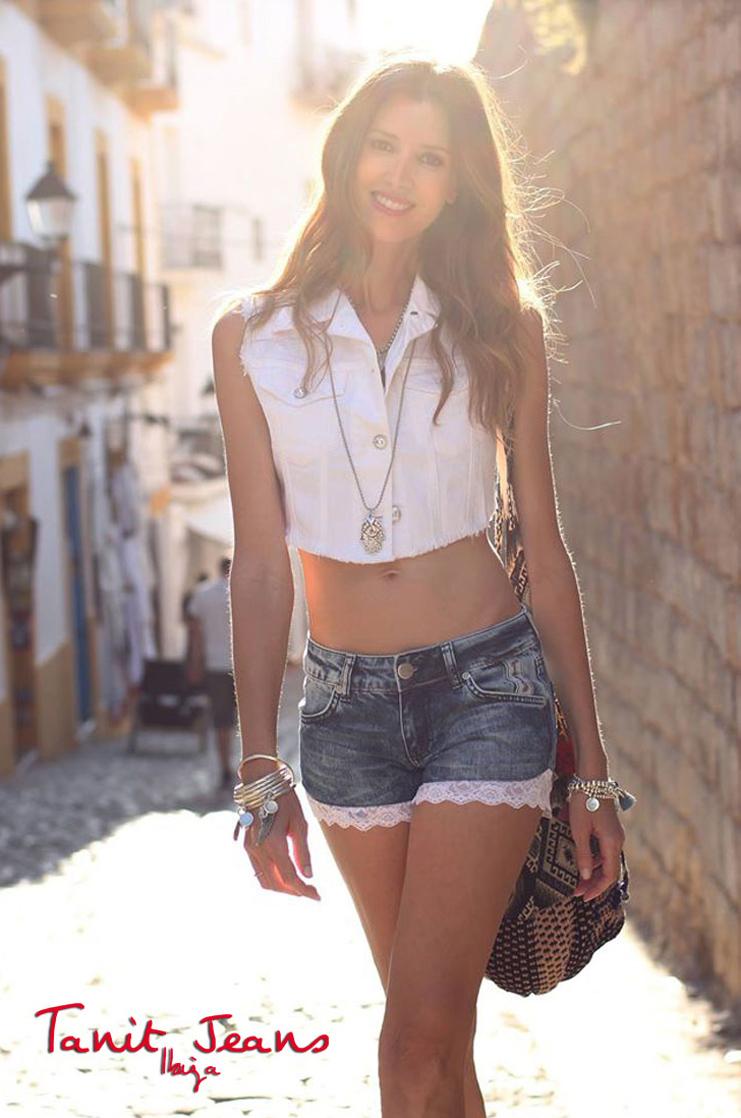 Ana-Vide-short-vero-adlib-tanit-jeans-ibiza.jpg