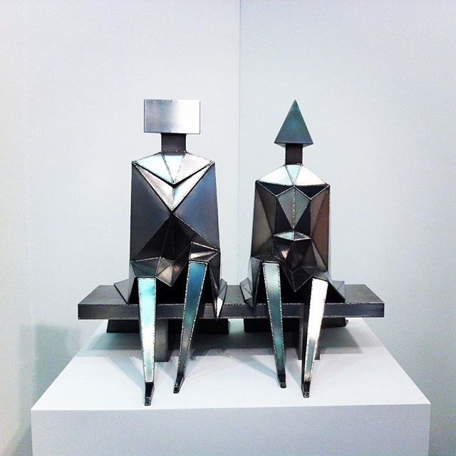 📣Artist admiration! 'Sitting couple' by #lynnchadwick  LC wouldn't sketch his sculptures ahead of time, he preferred to improvise and weld without any specific plan . . . #sculpture #metal #welding #intuitive #contemporaryart #blainsoutherngallery #art #mastersculptor #britishartist #inspiration #contentment