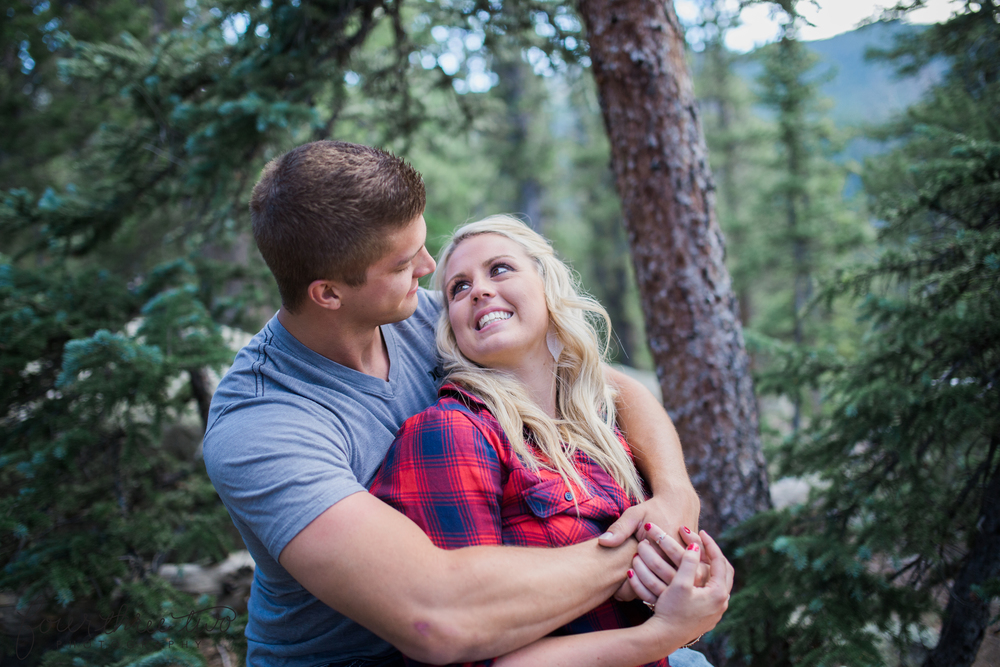 Mount Evans Engagement Pictures - Colorado Mountain Wedding Photographer
