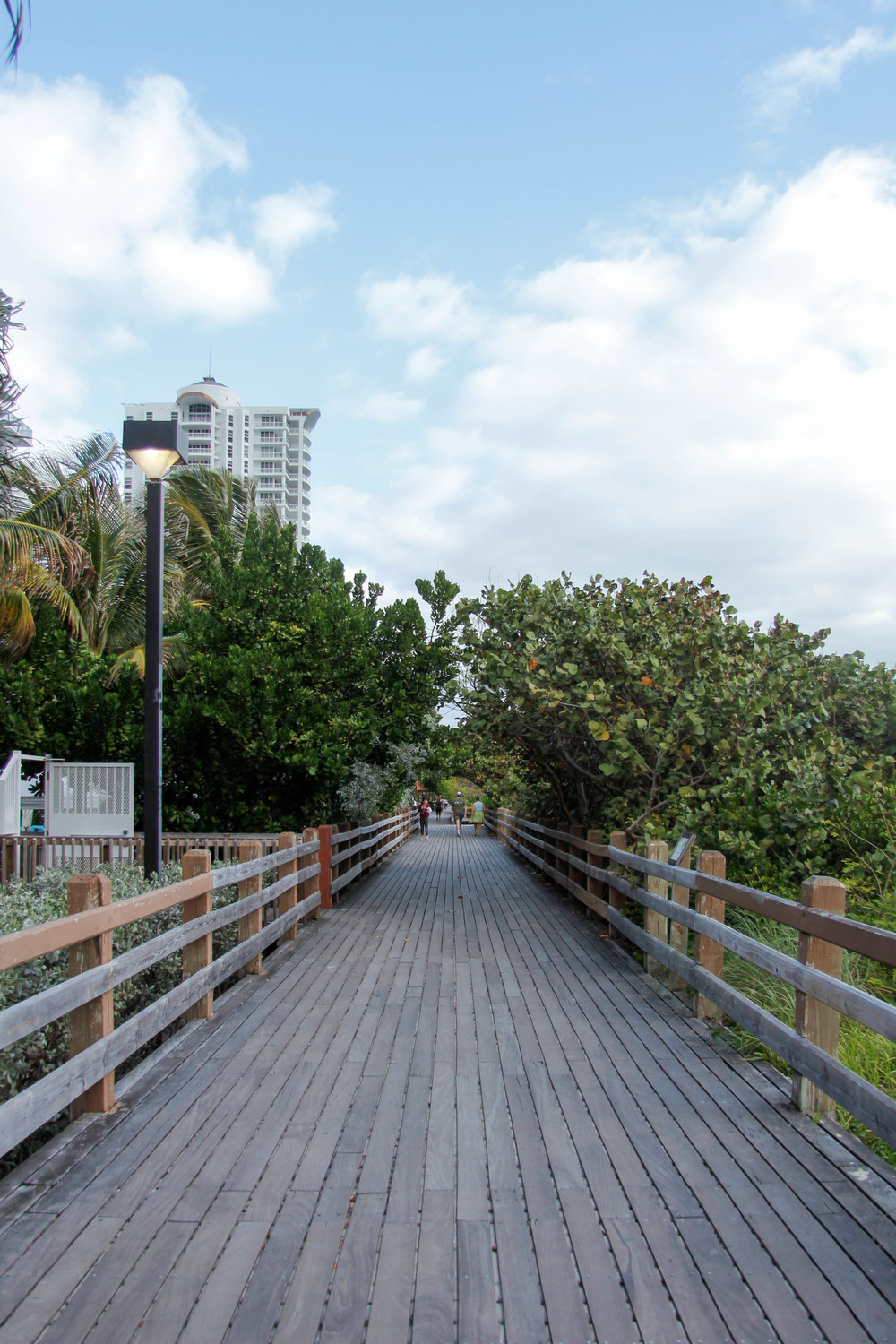 South Beach, Miami Boardwalk | 7 Ways to Stay Healthy While Traveling | Jennifer Diaz