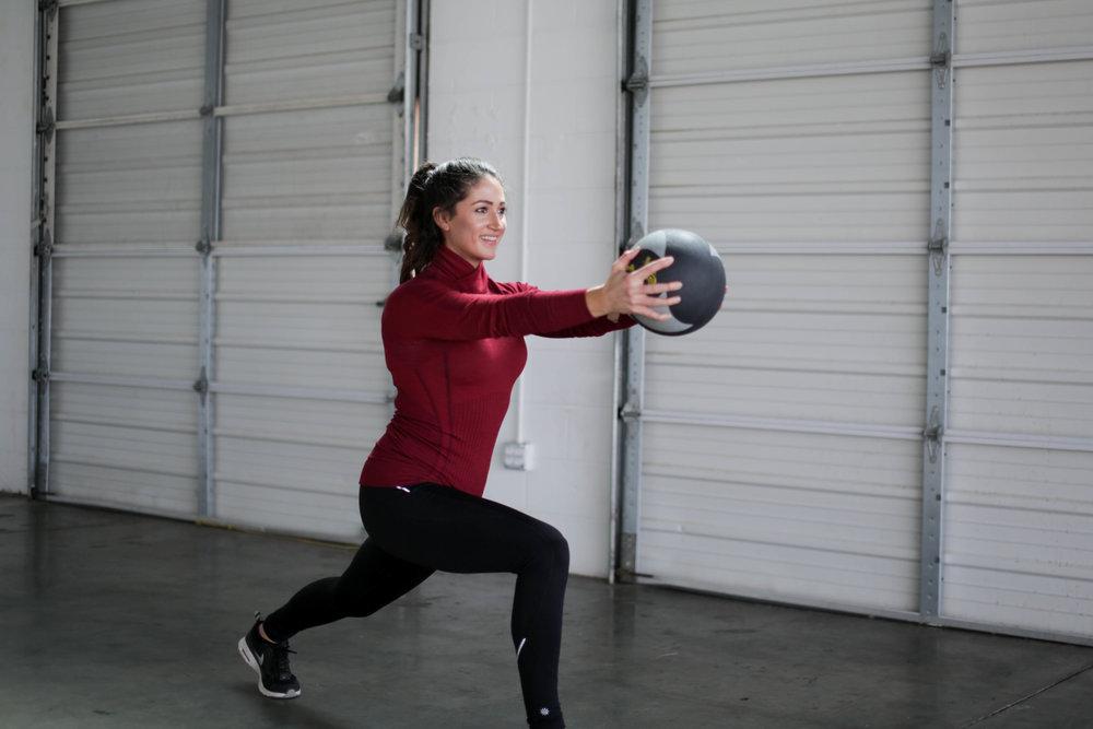 Medicine Ball AMRAP Workout | Jennifer Diaz | Quick Workout | Bodyweight Exercises | Total Body Workout | Circuit Training | Toning | Cardio
