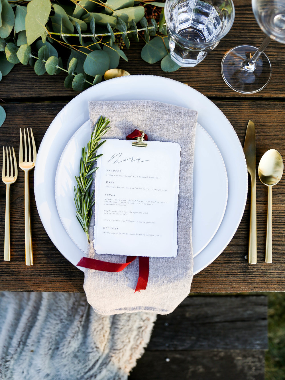 A Holiday Gathering with Feast + Fable | Jennifer Diaz | Holiday Recipes | Healthy Recipes | Christmas Dinner Menu | Friendsgiving | Cauliflower Mashed Potatoes | Candied Pecans | Winter Salad | Pomegranate Brussels Sprouts | Paper goods by Amy May Paper