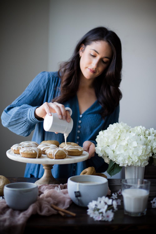 Baked Cinnamon Chai Latte Donuts | Jennifer Diaz | Baked Donuts | Healthy Donuts | Healthy Sweets