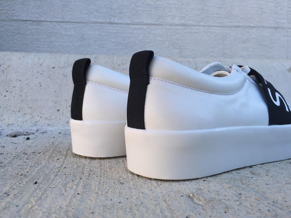 slogan sneaker | www.oilandgrain.com