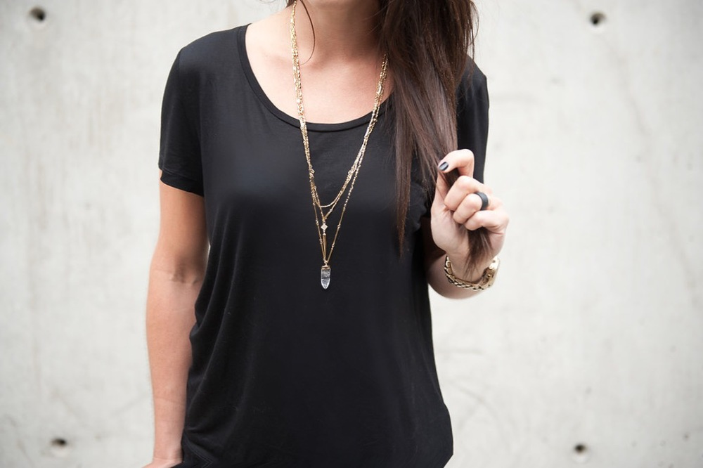 Stella & Dot + black outfit / Oil & Grain
