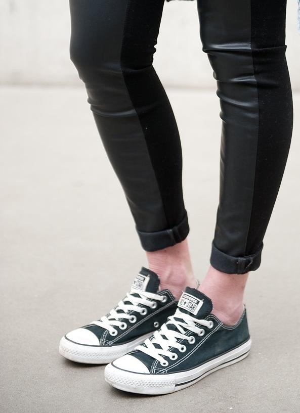 black converse / www.oilandgrain.com