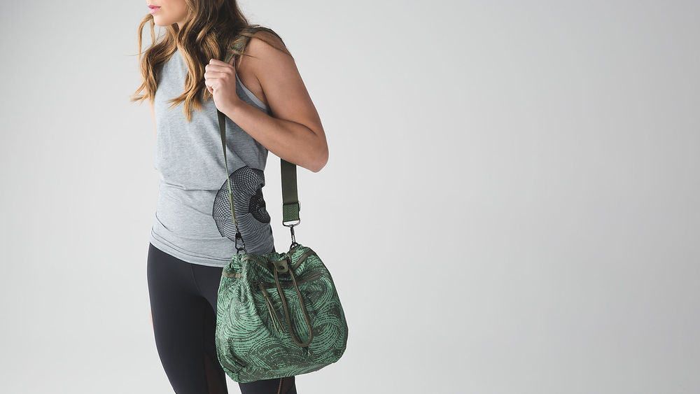 lululemon athletica Wanderlust Diversity Bag on Oil & Grain