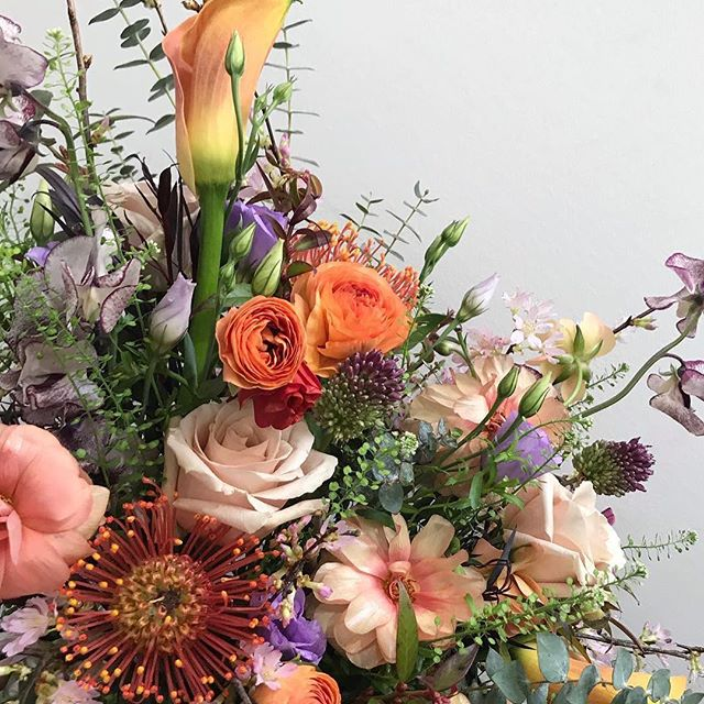 Since opening in Fort Greene in 2009, Kana and Tetauji of @saffronbk have made a name for themselves by creating truly unique and interesting floral designs. The team at Saffron is known for their stunning arrangements and expert taste in flowers. We know they'll be a very welcomed addition to the new #essexmarket this spring! #newvendorspotlight #marketsmattermost #lesflorals