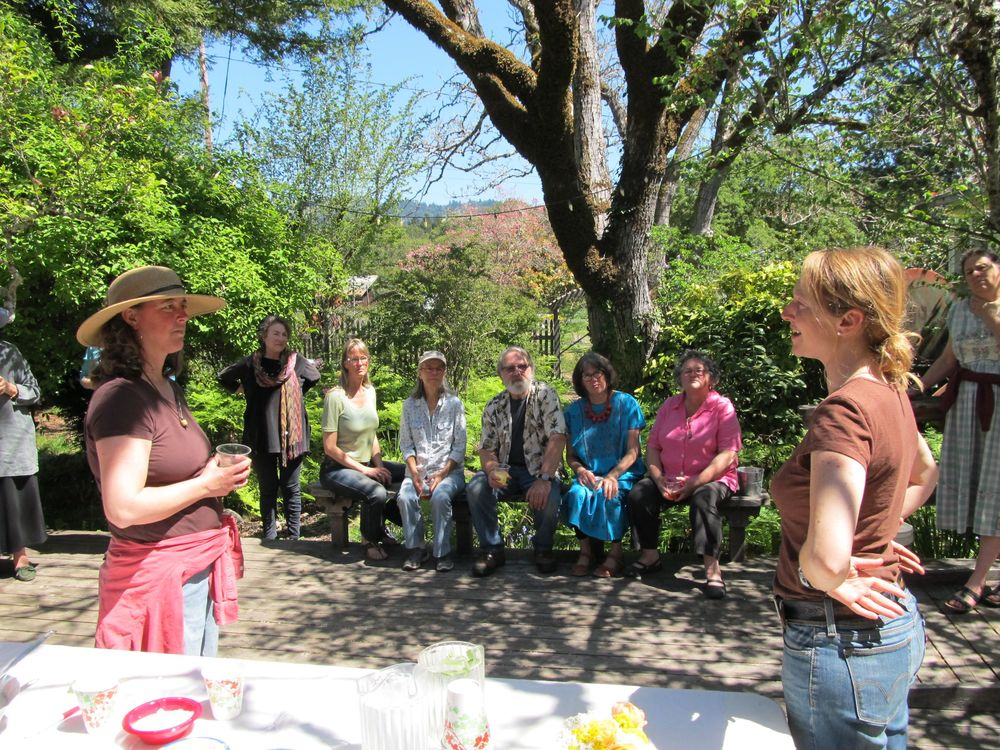 New owner of River's Bend, Laurie Adams (right foreground), greets some of the HWC volunteers at the Thank You lunch on April 13. Left to right, Linda MacElwee, Deanna Thomas, Jeanine Pfeiffer, Peggy Dart, Steve Anderson, Janet Anderson, Lauren Keating, Laura Baynham. Other volunteers included Marco Heithaus, Cindy Wilder, Kate Catagnola, George Castagnola Helen Papke, Bill Sterling, Valerie Hanelt, Niko Milojevich, Jairo Espinosa, Bev Elliot, Sheila Colombana, and family members.