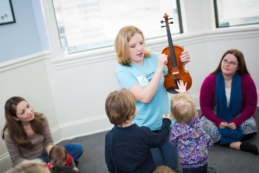 Jessica leading a Kindermusik class
