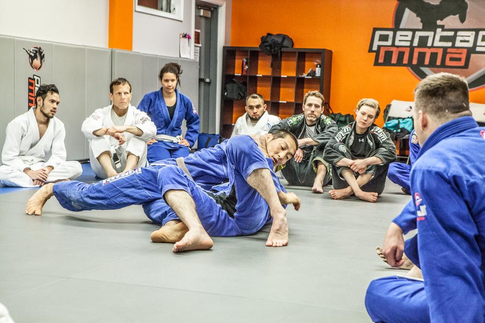 Brazilian-Jiu-Jitsu-Pentagon-MMA-2