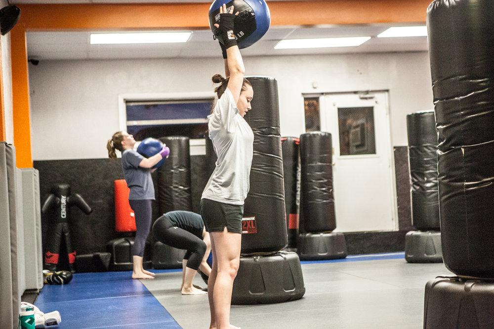 womens-kickboxing-pentagon-mma-3