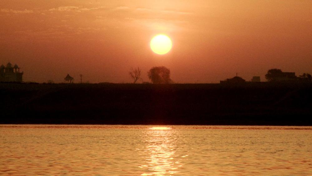 Varanasi Puja_sunrise.jpg