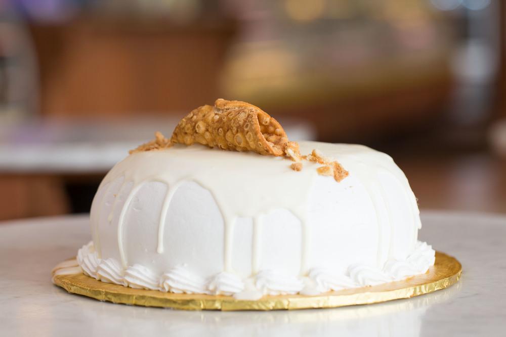 White Canoli Cake