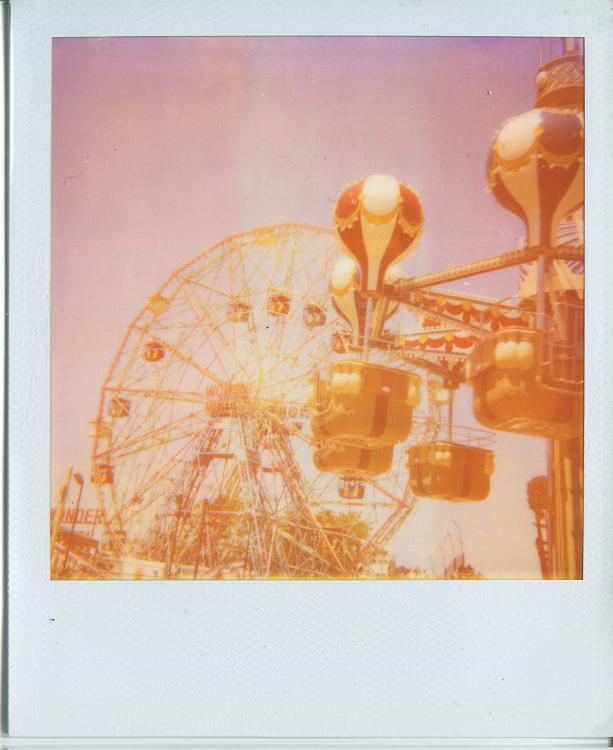 20140604200512-Polaroids_balloon_ride___Wonder_Wheel.jpg