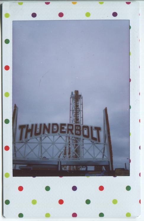 20140604200706-Fuji_Instant_Thunderbolt_sign.jpg