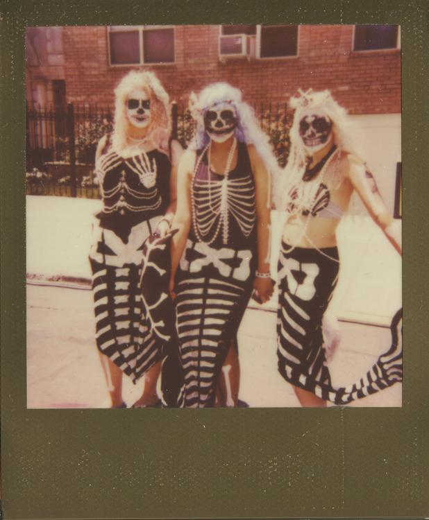 20140805152244-polaroids_-_dia_de_los_mermaids.jpg