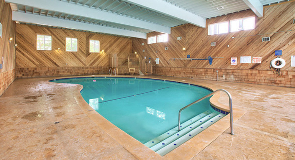 cc.indoorpool.jpg