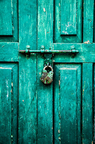 397px-Green_Lock_and_Door