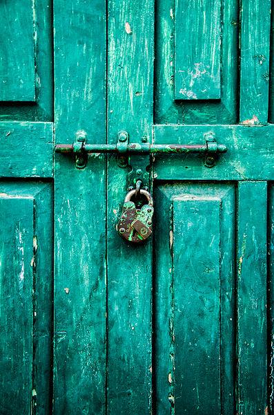 397px-Green_Lock_and_Door
