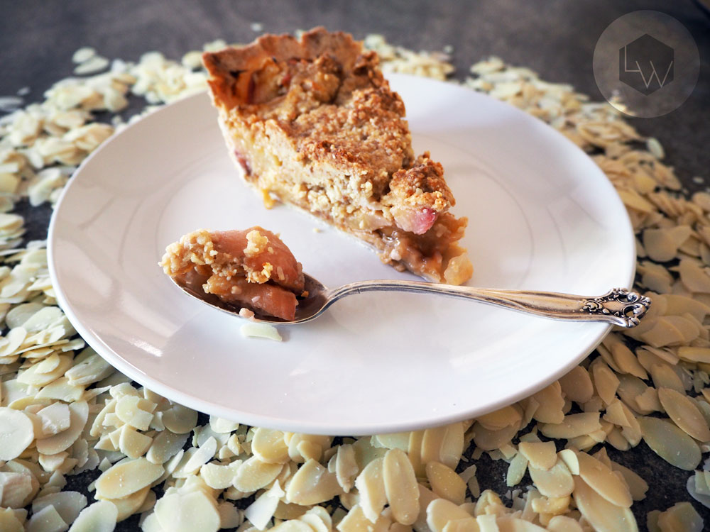Peach Cardamom Crumble Pie