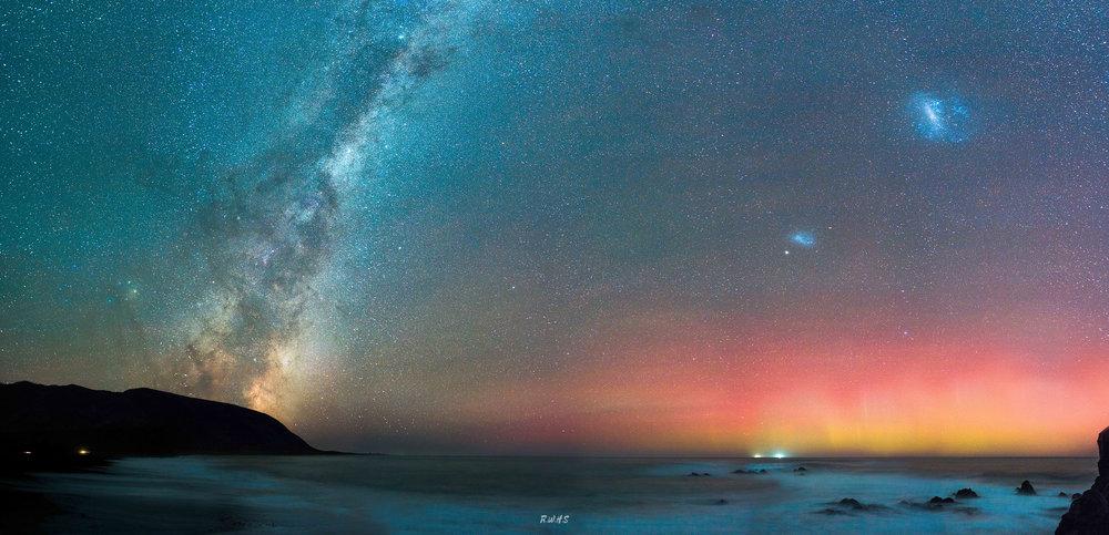 Wainuiomata Coast Aurora_-2.jpg