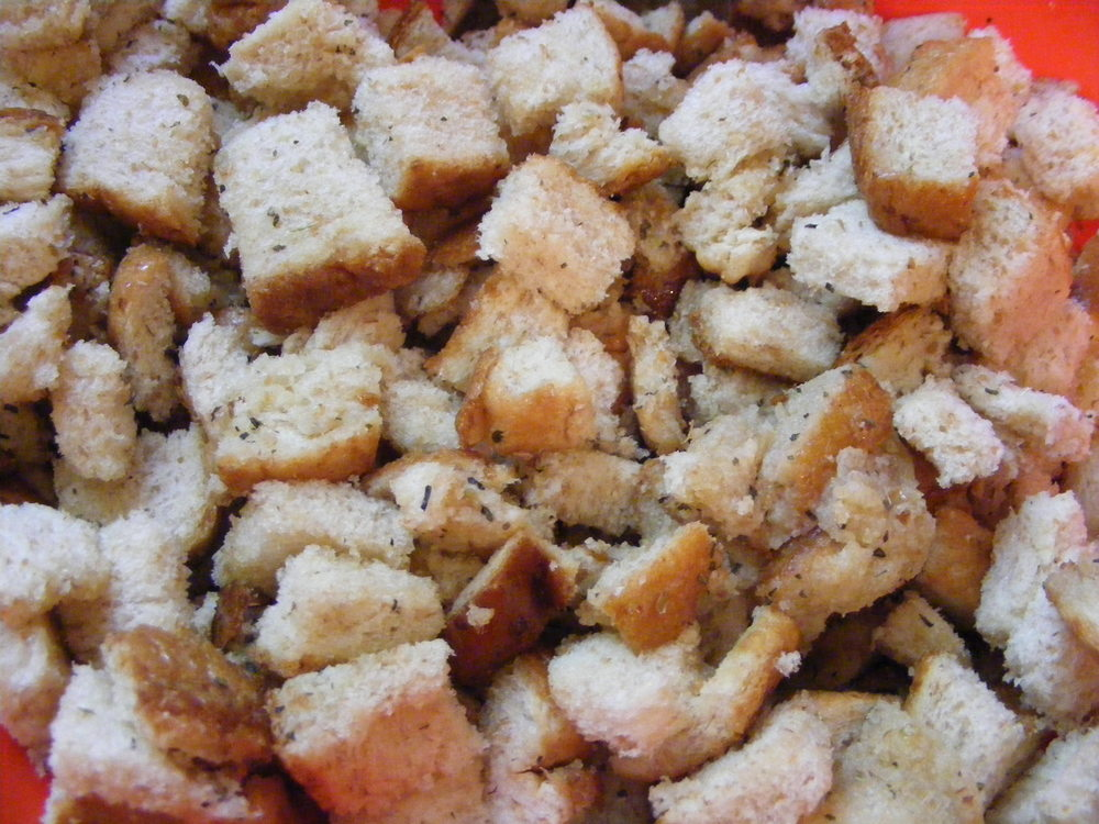 seasoned bread cubes