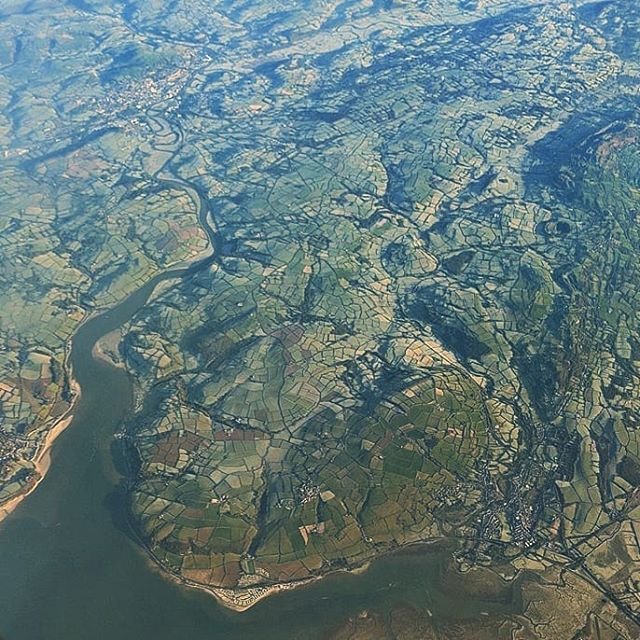SkyView of #Britain on the way to @heathrow_airport . . . #airview #skyview @british_airways #ireland #england #uk #ukphoto #instaphoto #planeview #aerial #wanderlust #wandrlustr #traveltips #travelpics #eurotrip #europe #jetsetter #travelblog #travel #travelblogger #backpacker #airplane_pics #instatravel
