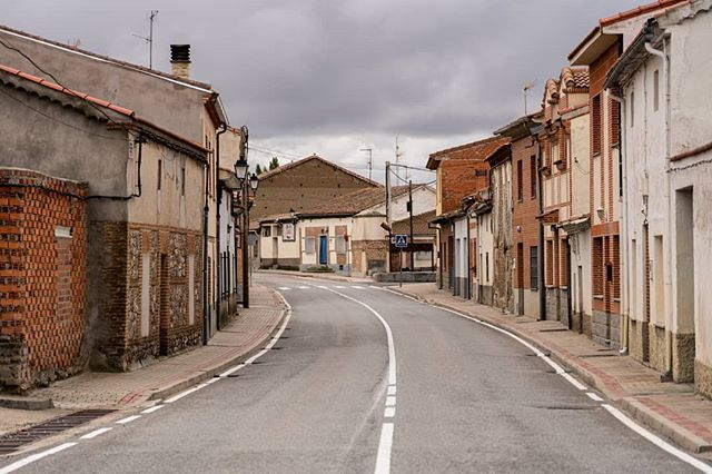 Typical small Spanish town during #siesta which is essentially the entire country's nap time. Much #Spain is gray this time of year, but beautiful nonetheless. The low amount of tourists is probably worth the exchange if #exploration is your main priority. . . Photo taken en route to #CiudadRodrigo from #Madrid . . . #españa🇪🇸 #spain🇪🇸 #smalltown #instatravel #travelgram #traveltips #travelblogger #travelphotography #backpacker #jetsetter #travelblog #journey #eurotrip #europe #wanderlust #wandrlustr #wander #fernweh #detour