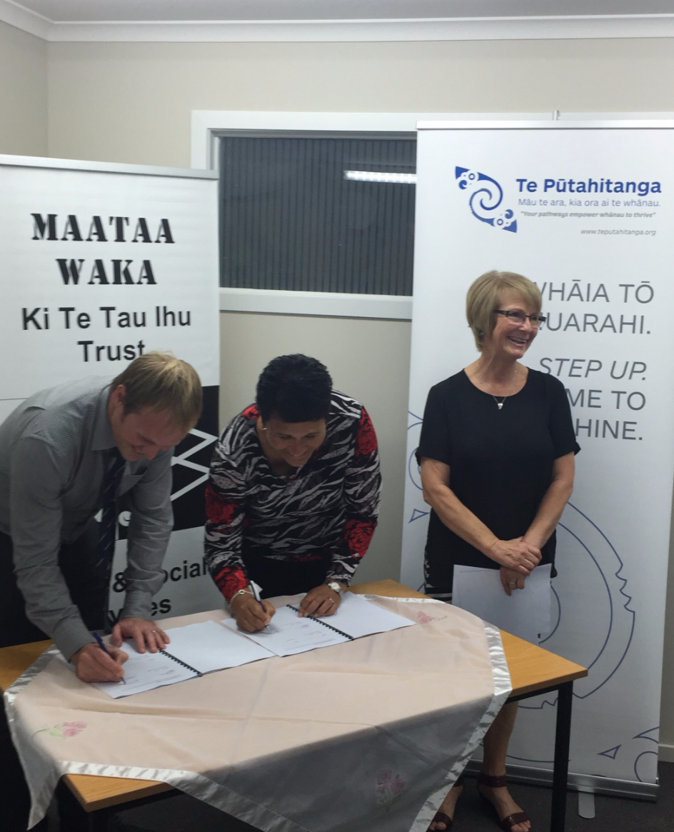 Signing up to the MoU: Michael Heath (Deputy Principal for Marlborough Boys College) and Brenda Chilvers (Chair,  Maataa Waka) with Gail MacDonald General Manager of Maataa Waka, beaming in delight!