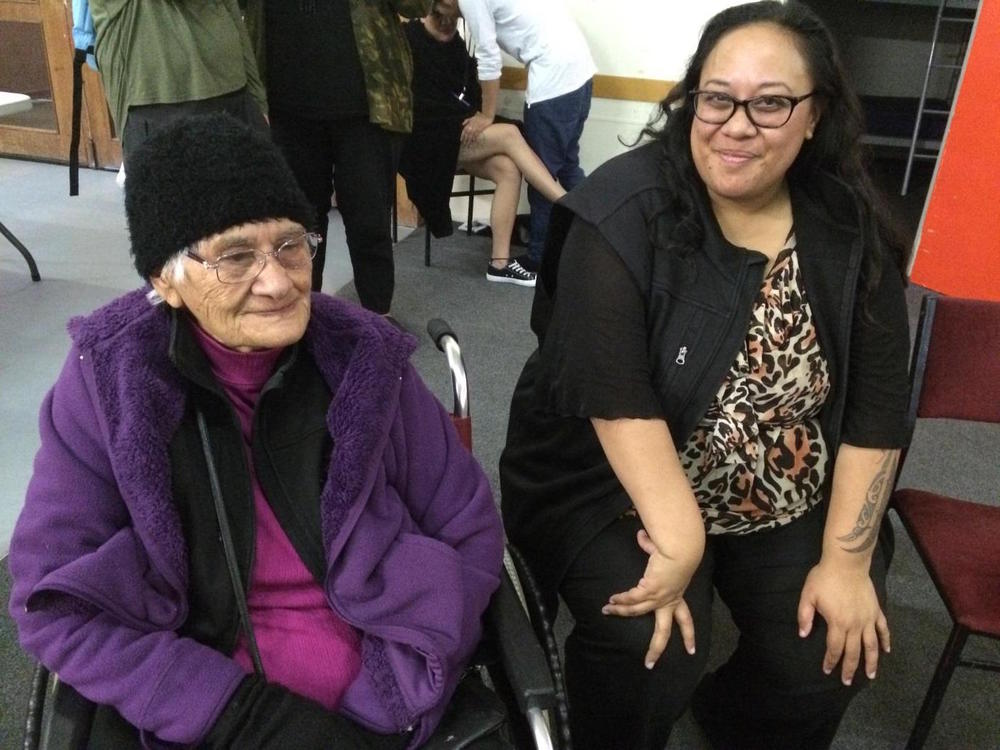 Taua Kiwa Hutchens with Ariana Mataki-Wilson at the Hinetitama Workshop