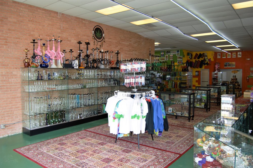 Wide shot of inside of Fairview Heights Mr. Nice Guy location