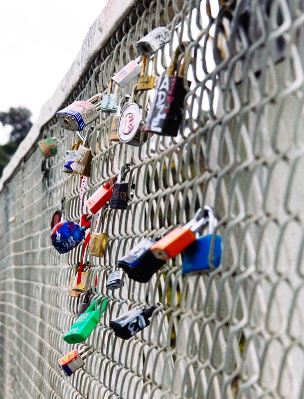 Adventure: Lock it up / Pedestrian Bridge / Glendale Narrows / LA River / Bourbon and Goose