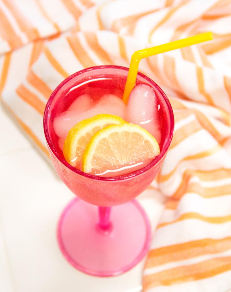 #HappyHourClub 21 / Peach Passion Moonshine Iced Tea