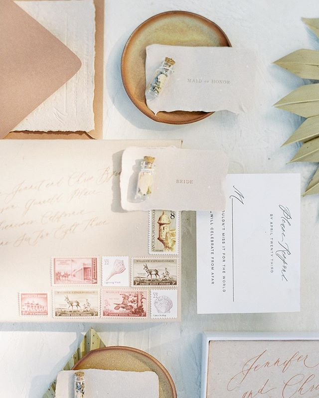 Beautiful invitation suit done by @theideaemporium from today's feature in @weddingsparrow #michellewhitephoto