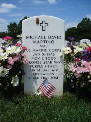 mdmartino-gravesite-photo-july-2007-002.JPG