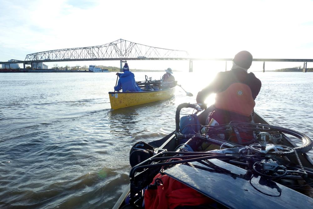 On The River fue un viaje en canoa desde Montana hasta a el Gulfo de Mexico.