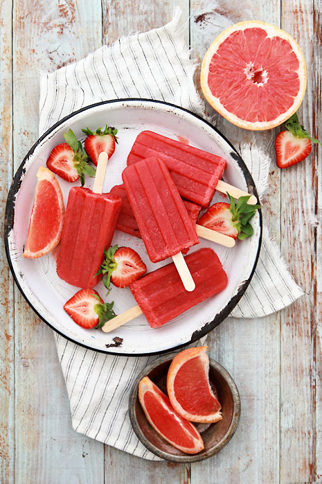 Greyhound & Strawberry Poptails | 8 Boozy Poptails to Stay Cool this Summer