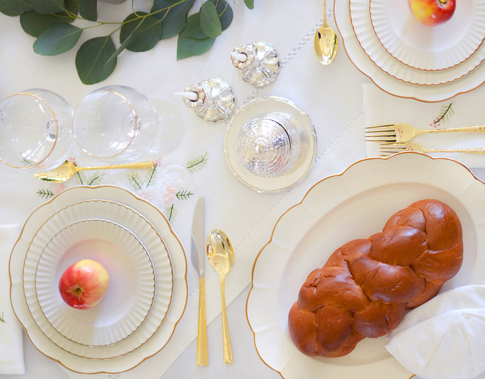 rosh-hashana-lenox-marchesa-shades-table-and-dine
