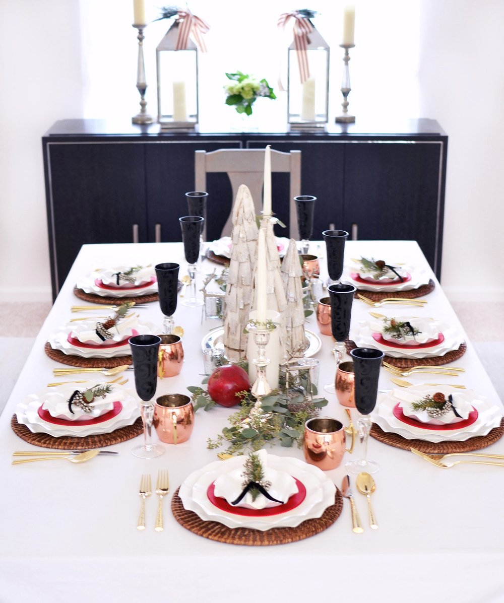 Traditional Holiday Table