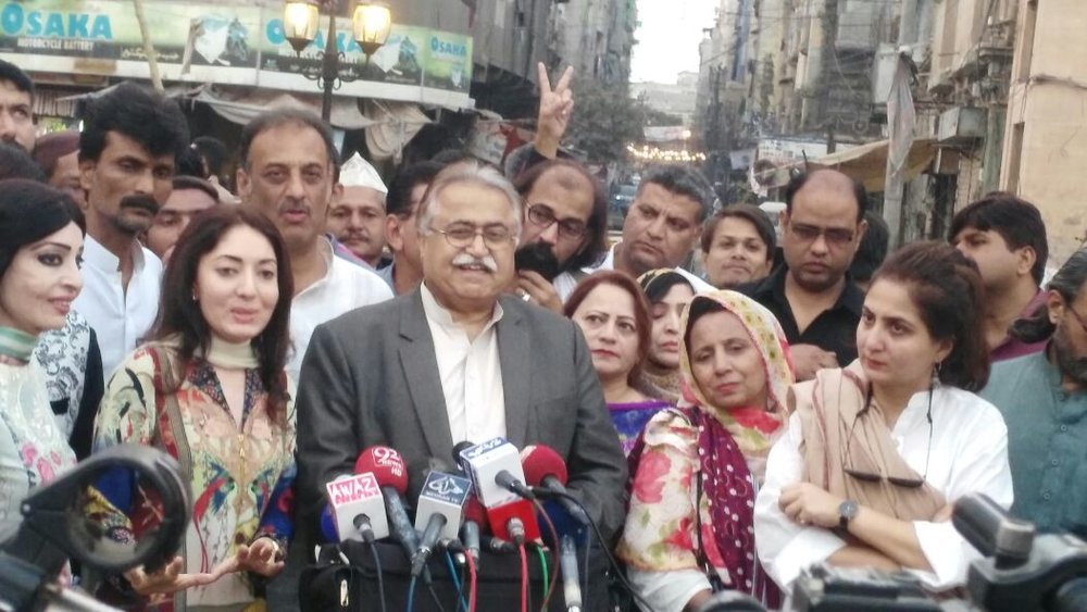 Inauguration of Pakistan Chowk, a rehabilitation public space project, graciously supported by Sharmila Saheba Faruqui and PPP Advisor and Senator Moula Baksh Chandio on 11th December, 2016, Karachi.