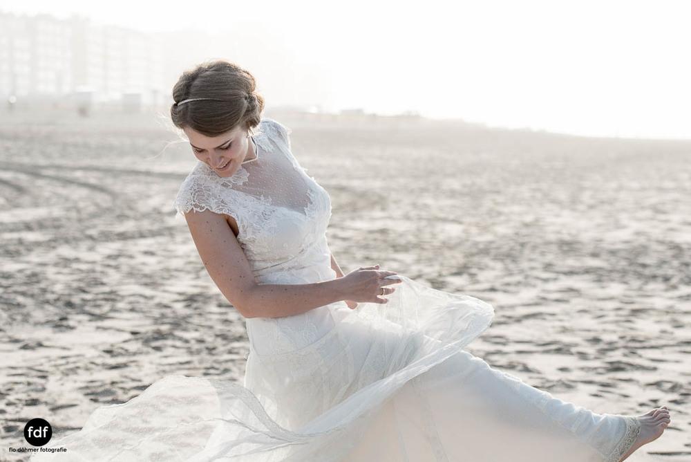 Braut-Meer-Hochzeit-Brautkleid-Shooting-Knokke-5 201.jpg
